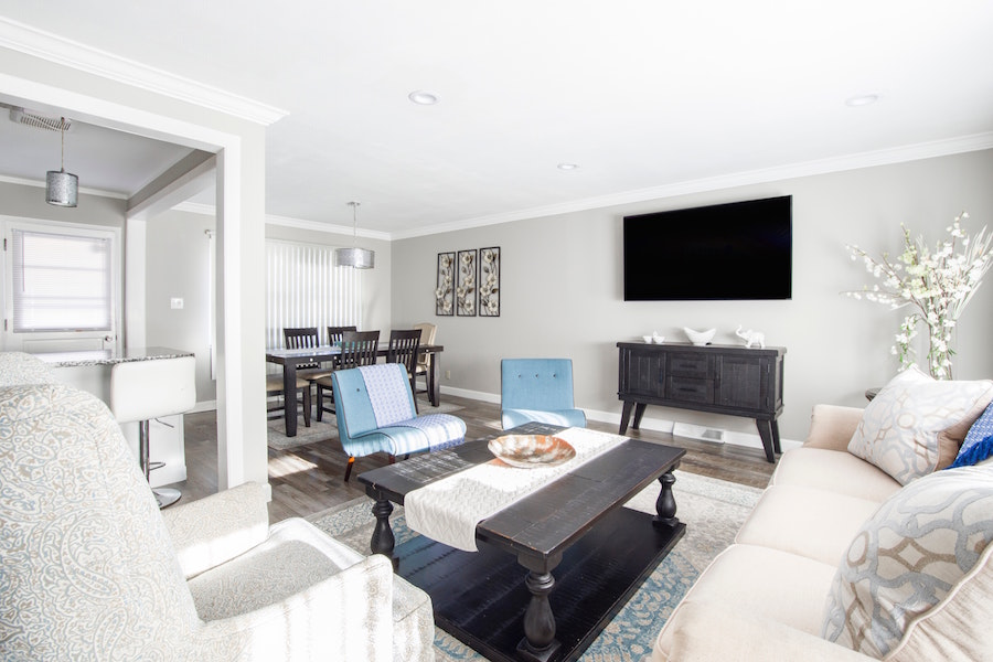 A neutral living space that's staged for buyers.
